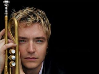 Chris Botti Wearing A Suit And Tie